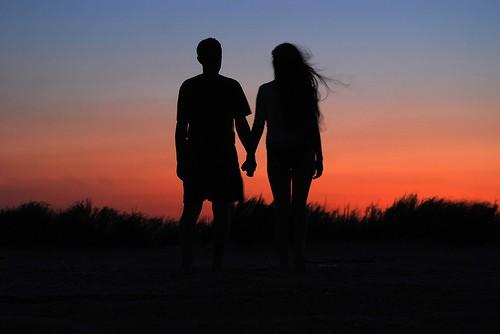 De cine… ne îndrăgostim?