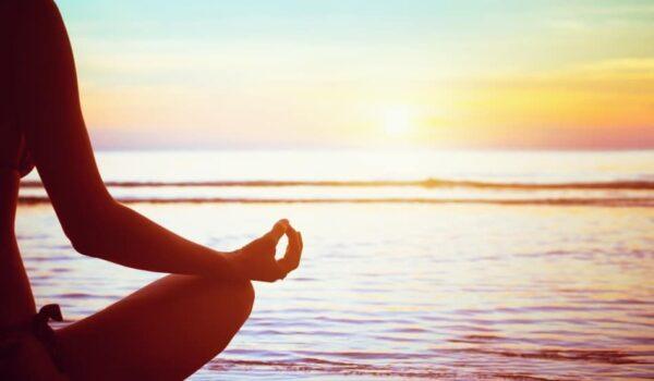 Ce ne ajuta sa crestem. Meditatia, mit si realitate